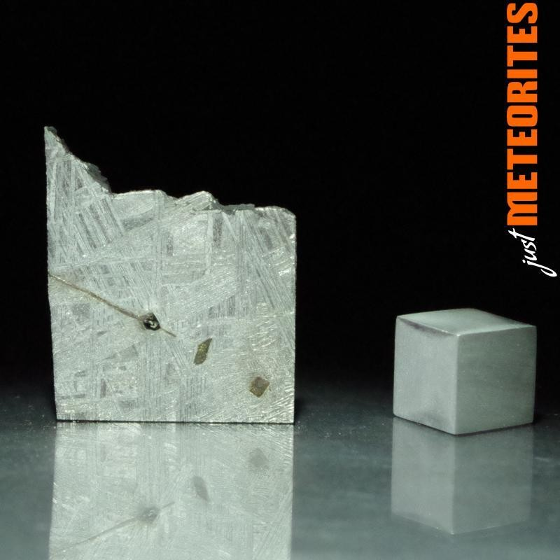 Muonionalusta meteorite slice 4.6g Inclusions